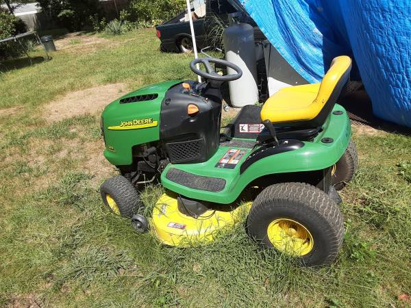 Photo John Deere L111 with bagger - $800 (South bend)