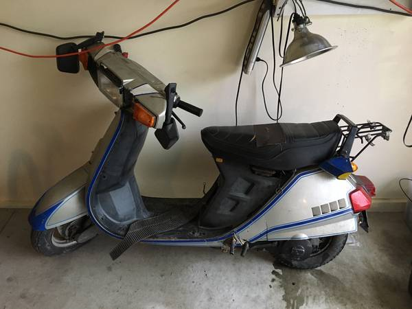 Photo Junk motor scooters wanted - $500 (West Bend)
