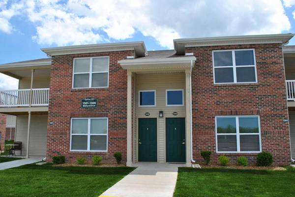 Photo Just stunning Spacious 2 Bed, 2 bath with lots of light (Michigan City)