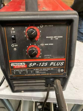 Photo Lincoln Electric Welder SP-125 Plus 120 Volt - $275 (ELKHART)