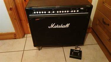 Photo Marshall MB210 300 Watt Bass Combo Amp - $350 (Elkhart)