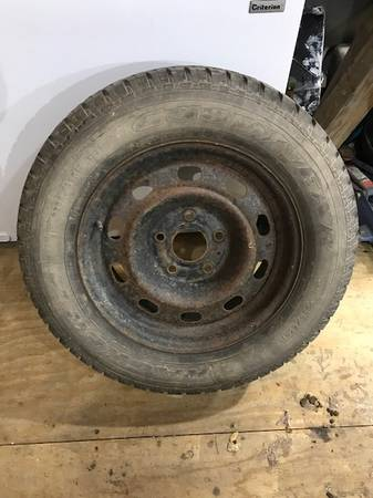 Photo P235 65 R 17 Truck spare Tire For Dodge ram 1500 (Akron)