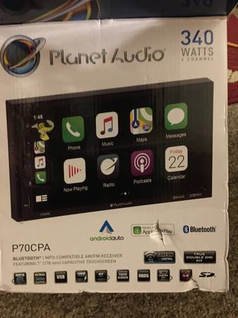 Photo Planet audio Bluetooth in dash - $150 (South bend)