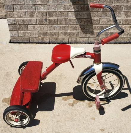 Photo Radio Flyer quotRetro Redquot Tricycle - $35 (South Bend)