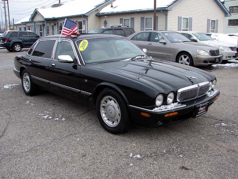 Photo Used 2000 Jaguar XJ Vanden Plas  for sale