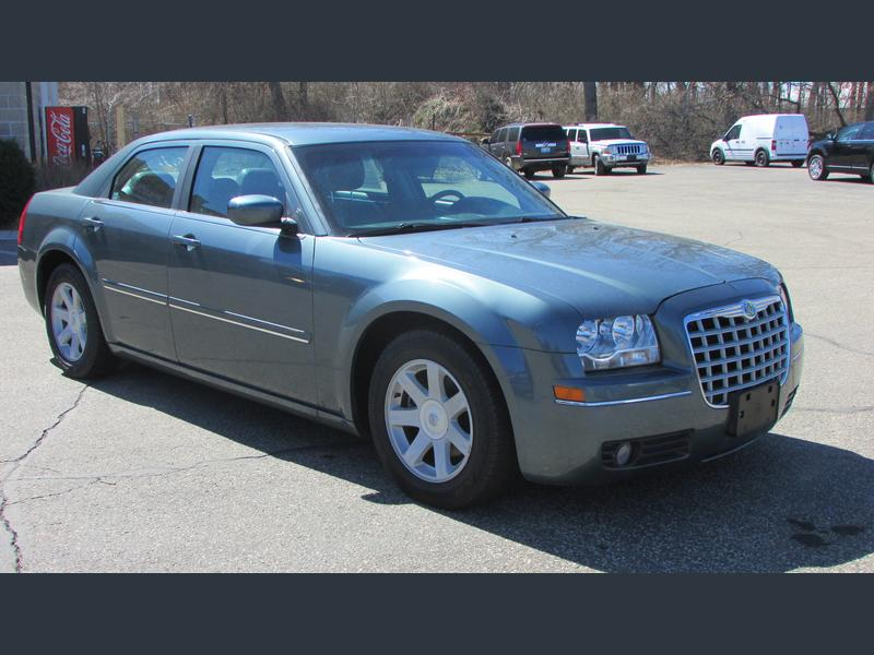 Photo Used 2005 Chrysler 300  for sale