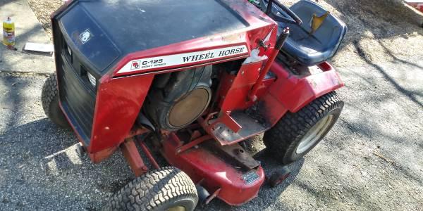 Photo Wheel Horse Garden Tractor - $350 (Plymouth,IN.)