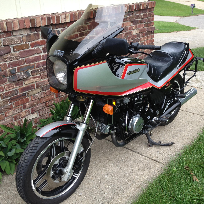Photo 1984 Honda SABRE V65 $350088.5588.55