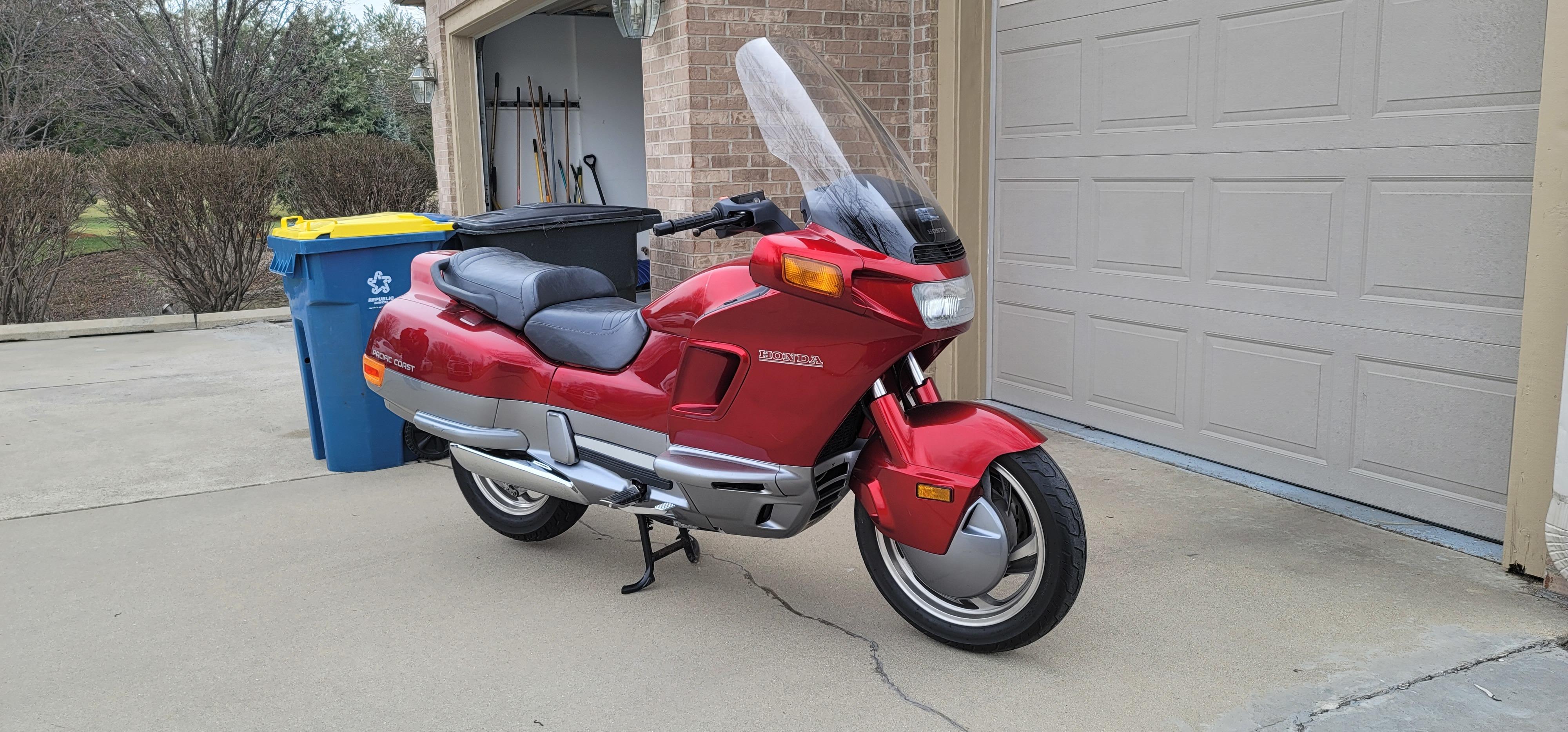 Photo 1990 Honda PACIFIC COAST PC800 $141.68141.68