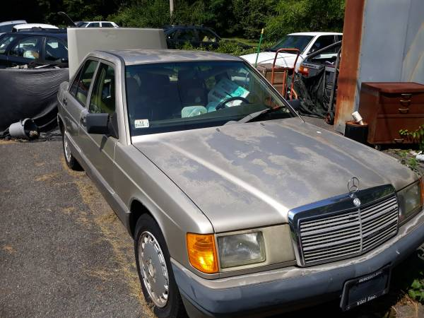 Photo 1991 Mercedes Benz 190e 2.6 - $500 (Middleboro Ma.)