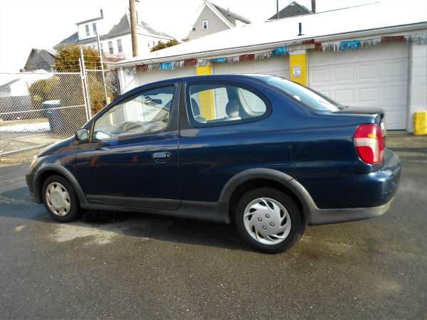 Photo 2001 Toyota ECHO, 2dr, ( 173-509) - $1495 (5 Star Auto Sales, New Bedford, MA)
