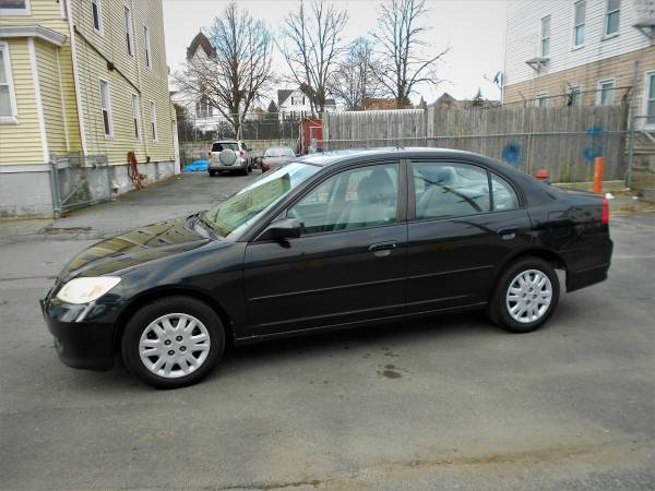 Photo 2005 HONDA CIVIC LX,4cyl, (601-946) - $3595 (5 Star Auto Sales, New Bedford, MA)