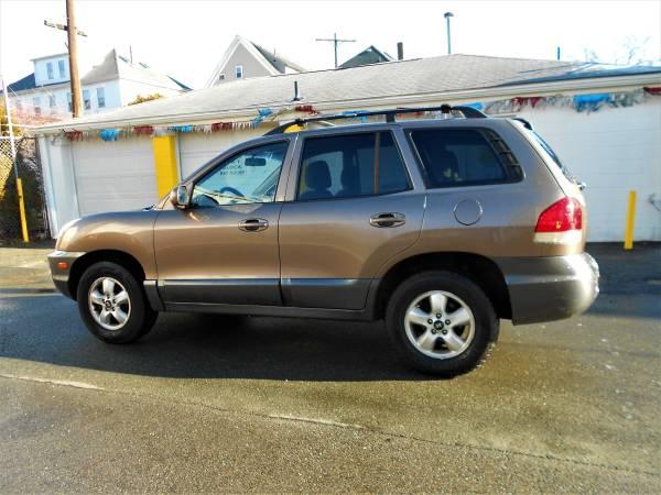 Photo 2005 HYUNDAI SANTA FE SUV, 891-598 - $2395 (5 Star Auto Sales, New Bedford, MA)