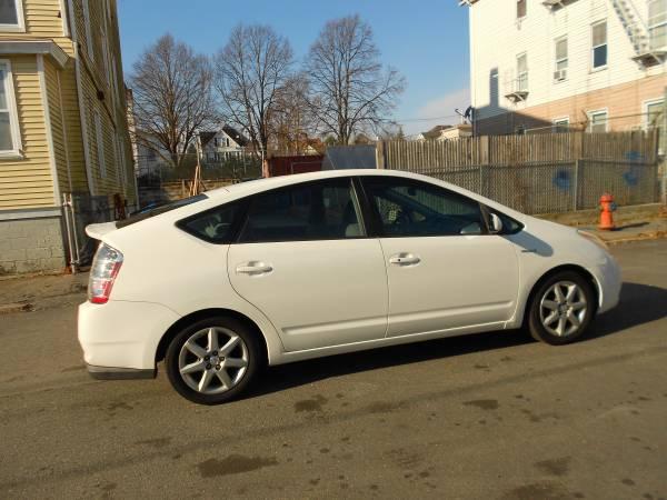 Photo 2007 TOYOTA PRIUS (Hybrid), 603-008 - $3895 (5 Star Auto Sales, New Bedford, MA)