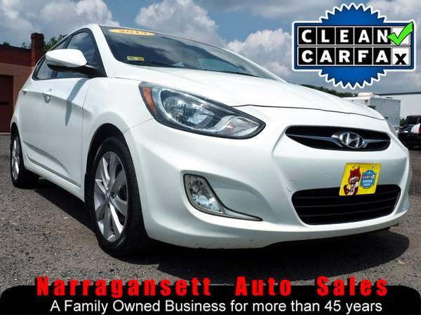 Photo 2013 Hyundai Accent Auto Air Full Power Moonroof Like New - $5,995 (Narragansett-Auto-Sales.com)