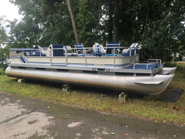 Photo 24 Pontoon Boat with 50 hp Mercury - $1,200 (North Attleboro)