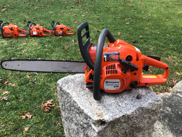 Photo 5 HUSQVARNA chainsaws, 455, 440, 350, 353, 235 chainsaw - $1 (Freetown)