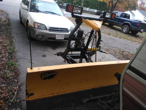 Photo 8ft Fisher mm2 snow plow great condition - $850 (Swansea)