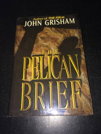 Photo Book John Grisham The Pelican Brief - $4 (East Hartford)