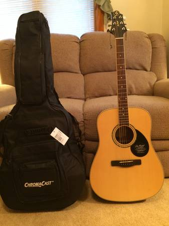 Photo Brand New Samick Greg Bennett Acoustic Guitar, Gig Bag and Accessories - $250 (Dartmouth)