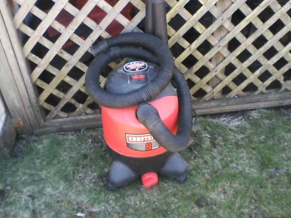 Photo CRAFTSMAN 8 GALLON VAC - $35 (DARTMOUTH)
