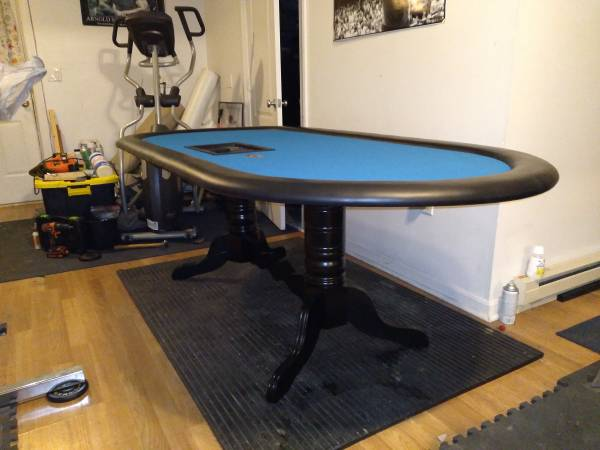 Photo Cash poker table - $650 (Berkley)