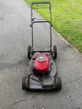 Photo Craftsman 21quot lawn mower for parts or repair - $35 (Westport)