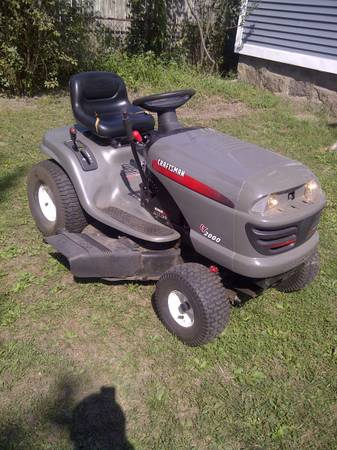 Photo Craftsman Lawn Tractor-17HP Kohler Pro - $475 (Fall River)
