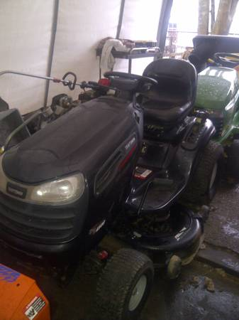 Photo Craftsman Lawn Tractor-24HP - $550 (Fall River)