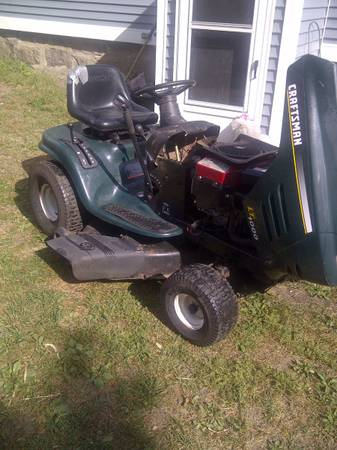 Photo Craftsman Lawn Tractor-Parts or Repair - $100 (Fall River)
