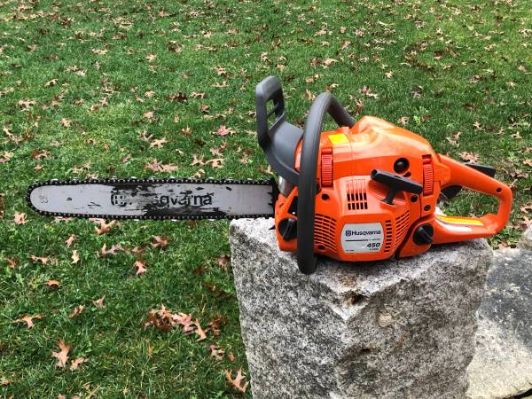 Photo HUSQVARNA 450 chainsaw, 455,445,440, 350, 55 - $1 (Freetown)