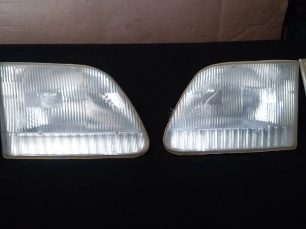 Photo Headlights, 97-02 Ford Expedition, 97-03 F150, 97-99 F250 (Canton)