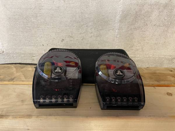 Photo JL Audio 2-Way Crossover Pair - $60 (New Bedford)