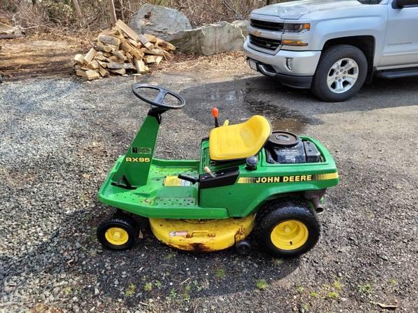 Photo John deer mower - $300 (South Dartmouth)