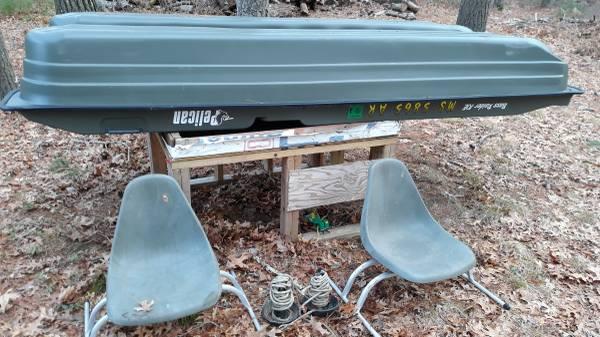 Photo Pelican 1039 and Suzuki 2.5 HP outboard - $1000 (Middleboro)