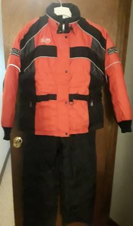Photo Snowmobile suit womens jacket  ski pants - $140 (Seekonk)