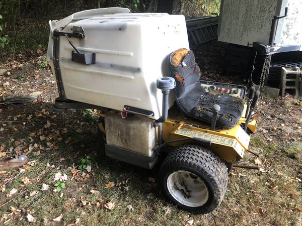 Photo Walker Mower for Parts - $800 (East Taunton)