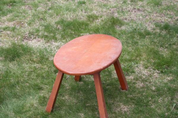 Photo Wooden bench or small table - $25 (Fall River)