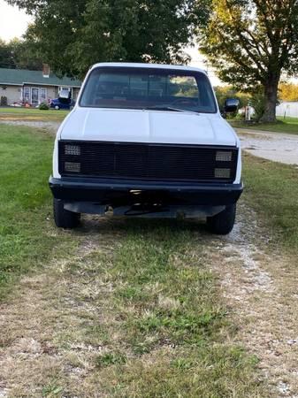 Photo 1986 Chevy k10 - $8,000 (Clayton)