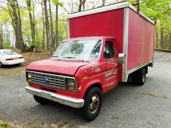 Photo 1987 Ford E350 Box Truck - $3,000 (Farmingdale)