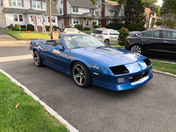 Photo 1989 Iroc-Z Convertible Camaro - $25,000 (Kearny)