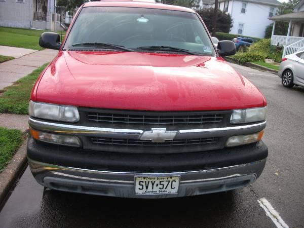Photo 2000 to 2002 chevy silverado truck hood - $75 (Burlington, NJ)