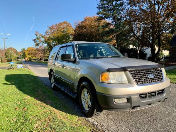 Photo 2004 Ford Expedition XLT 4x4 - $3,600 (Northeast Philadelphia Pa)
