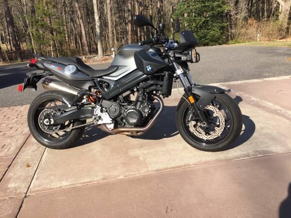 Photo 2011 BMW F800R - $5,600 (Medford)