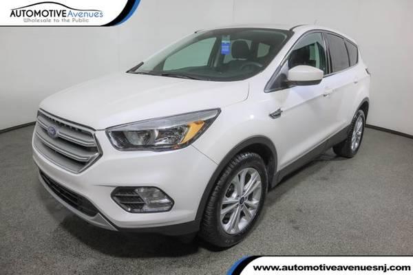 Photo 2017 Ford Escape, White Platinum Metallic Tri-Coat - $13,995 (Automotive Avenues)