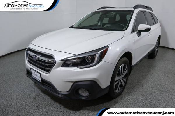 Photo 2018 Subaru Outback, Crystal White Pearl - $23995 (Automotive Avenues)