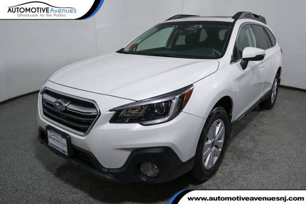 Photo 2018 Subaru Outback, Crystal White Pearl - $21995 (Automotive Avenues)