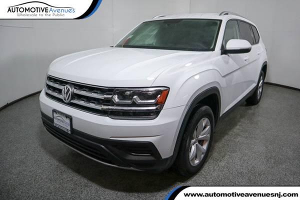 Photo 2018 Volkswagen Atlas, Pure White - $21995 (Automotive Avenues)