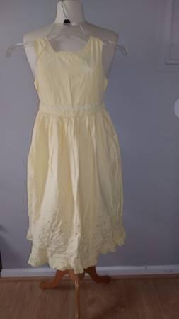 Photo 2 dress copper key 100 cotton old navy girl 7 - $5 (MARLTON)