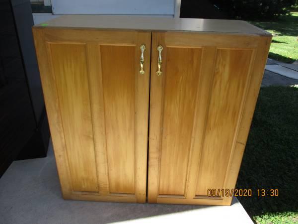 Photo Bureau, Wall Cabinets, Desk, Unfinished cabinet doors (Hammonton, NJ)